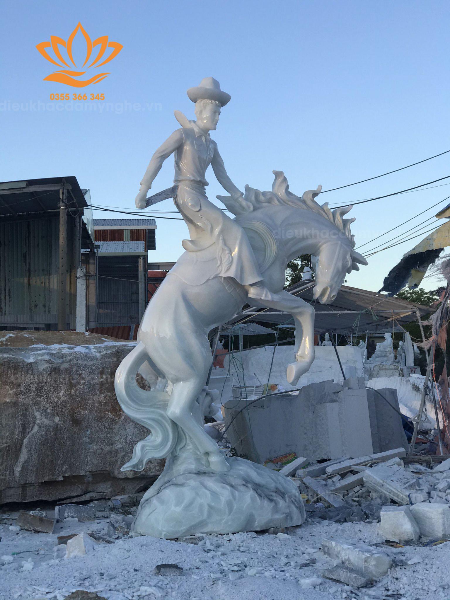 Tác phẩm chàng cao bồi cưỡi ngựa